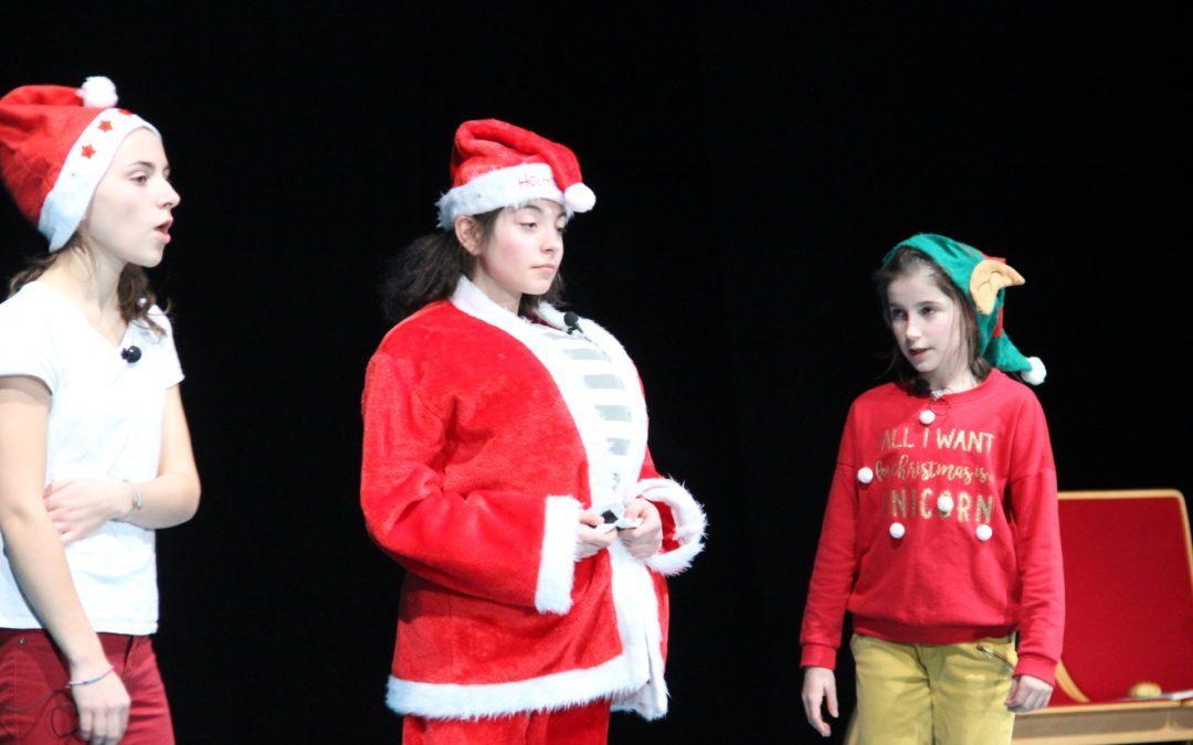 Arbre de Noël en cirque et poésie !